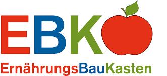 Logo Ernährungsbaukasten, Abkürzung EBK dahinter ein Apfel, E in rot, B in blau, K in grün, darunter ausgeschrieben, Ernährungs in Rot, Bau in blau und Kasten in grün, Apfel rot mit grünem Blatt und Stiel.