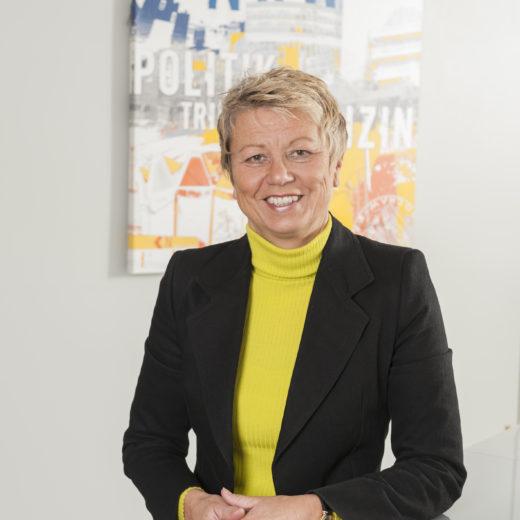 Frau Karin Hendrysiak