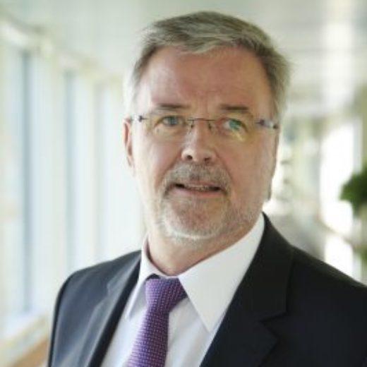 Herr Michael Grüll